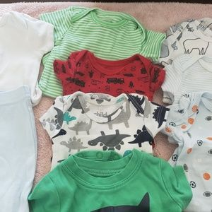 👶❤👶carters newborn onesies and a onesie outfit